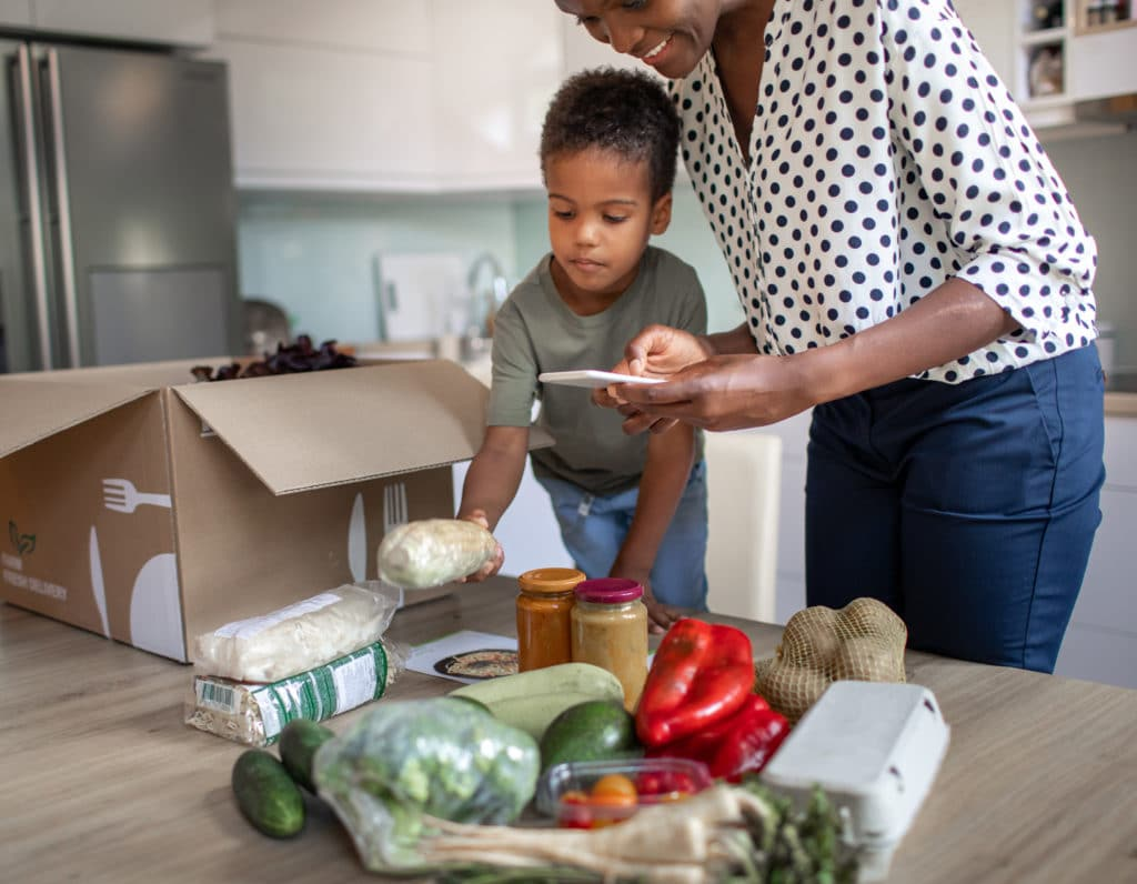 feature online grocery stores deliver eat